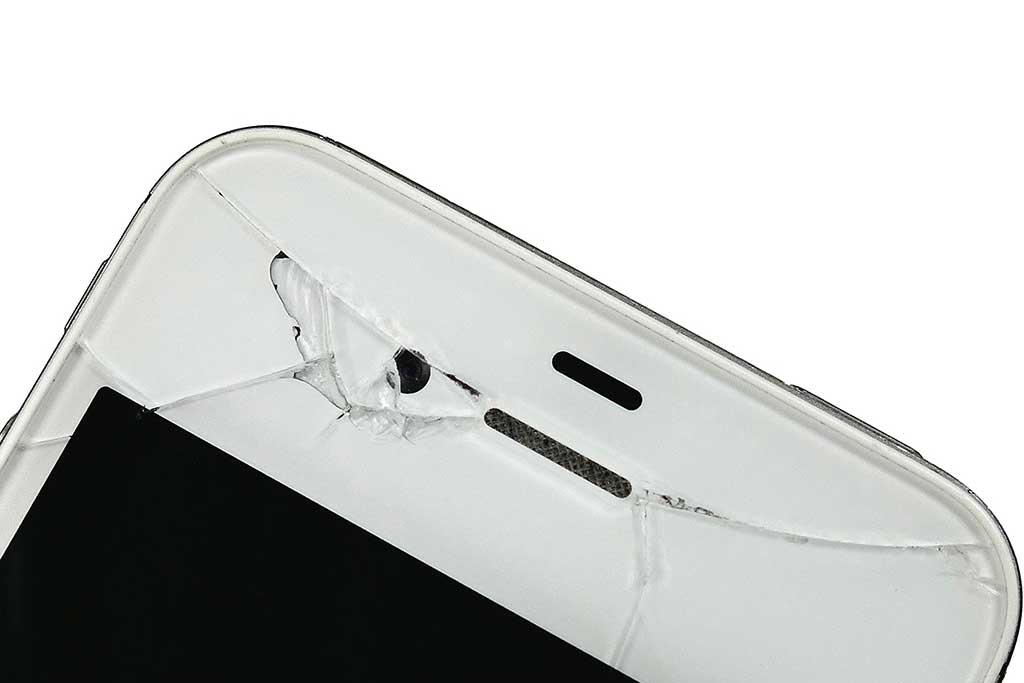 assistenza e riparazione vetro smartphone rotto cubetech bologna